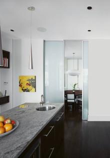 Быть или не быть: раздвижные межкомнатные двери в интерьере