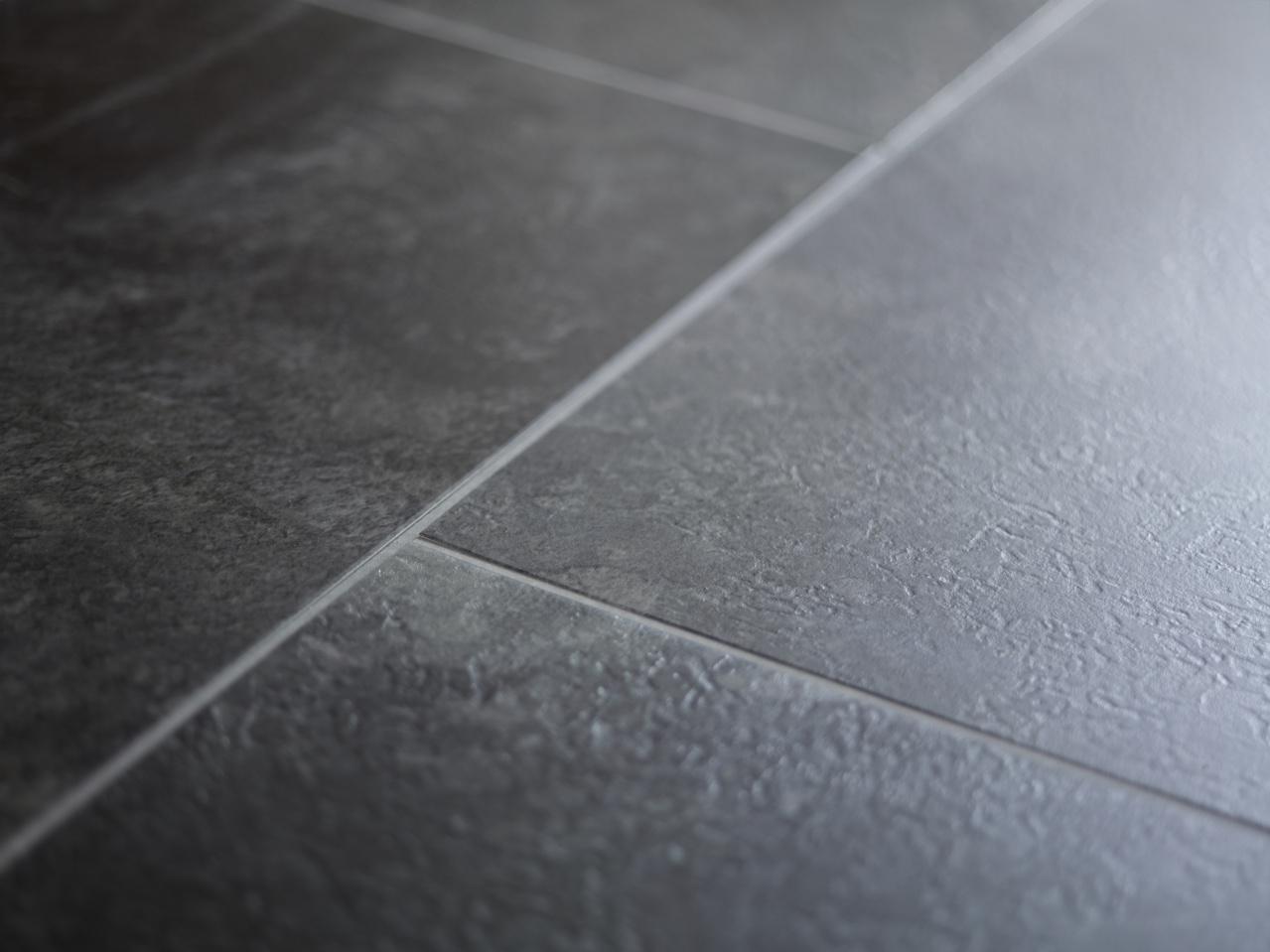 Виниловый ламинат (60 фото): что это такое, особенности пластикового и покрытия пвх с замковым соединением, что лучше для пола - сравнение с плиткой, отзывы