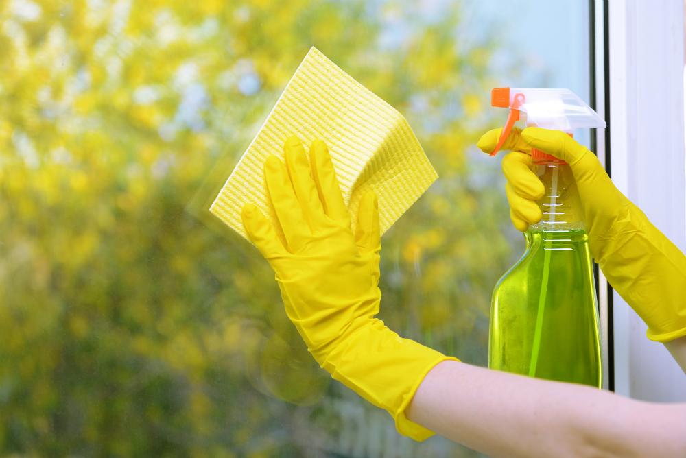 Как и чем помыть окна без разводов в домашних условиях