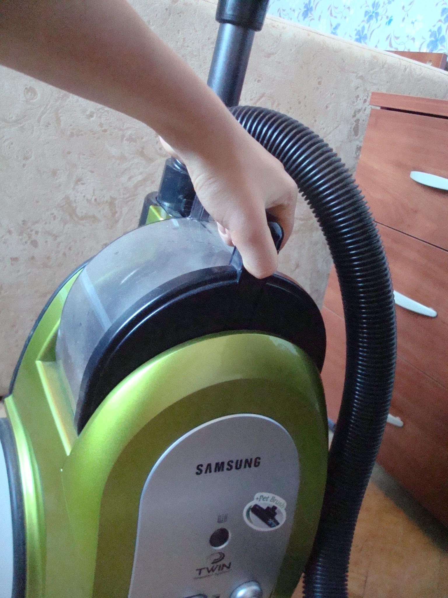Беспроводные пылесосы для дома: как выбрать, рейтинг моделей, их плюсы и минусы, советы по уходу и применению