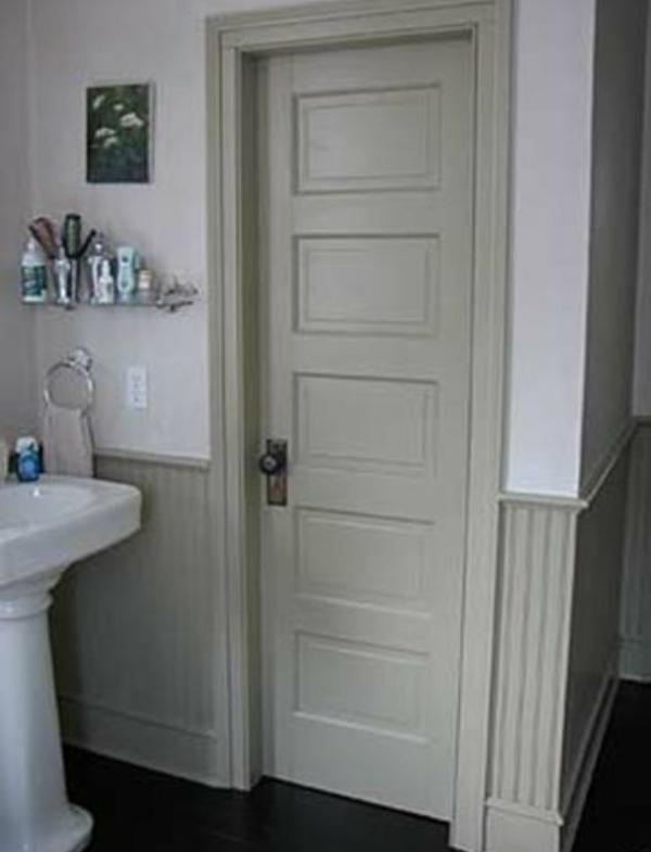 Какие двери лучше поставить в ванную комнату?