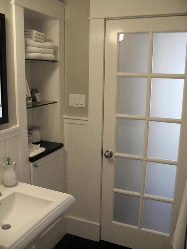 Двери для ванной комнаты: выбираем лучший из всех имеющихся вариантов