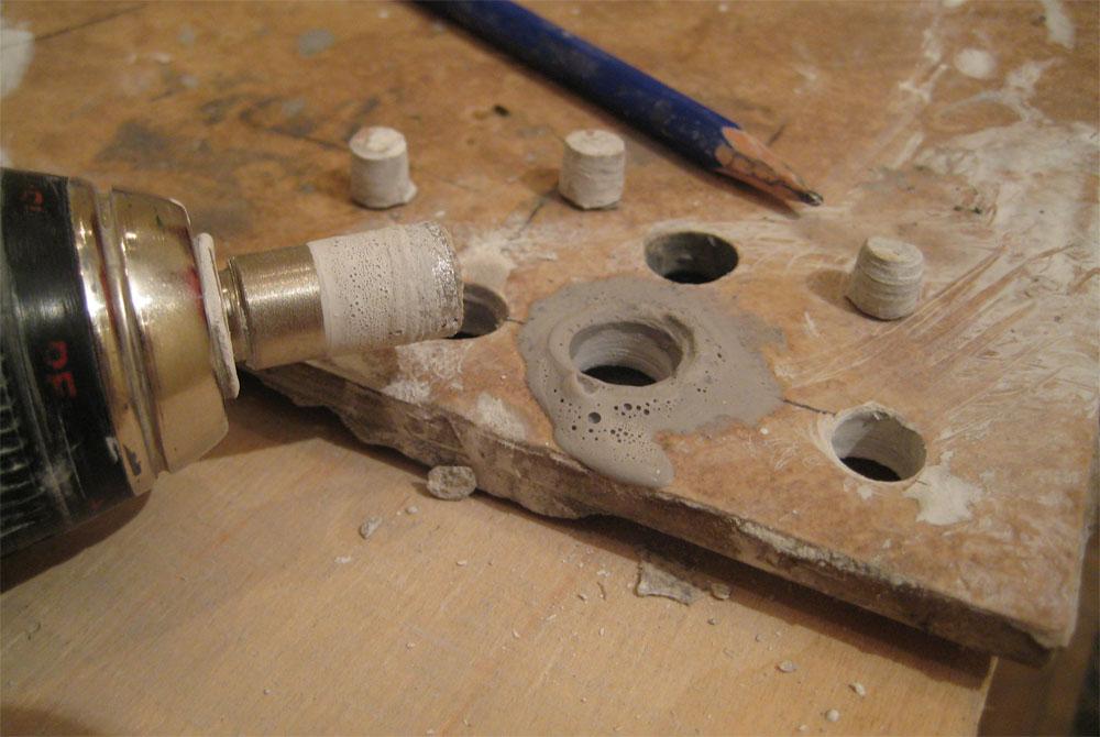 Чем лучше сверлить керамогранитную плитку – как просверлить идеальные отверстия.