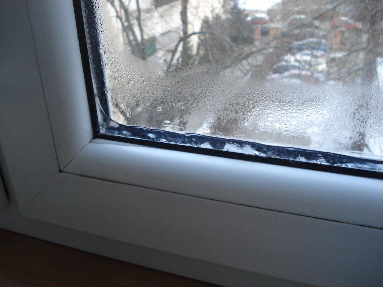 Почему потеют окна в доме пластиковые