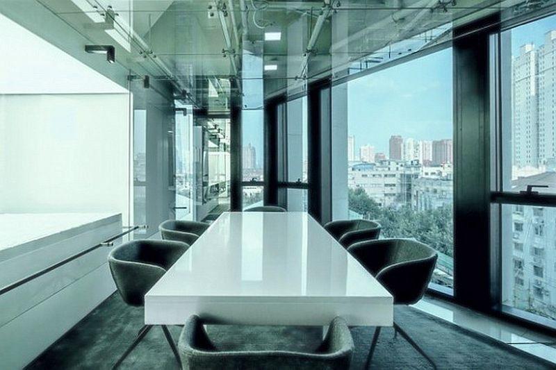 20 идей как использовать стеклянные конструкции в интерьере