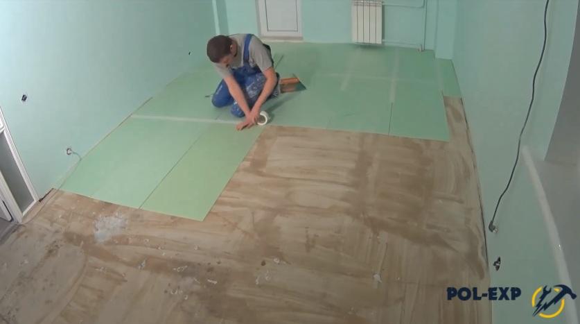 Чем и как выровнять бетонный пол под ламинат?