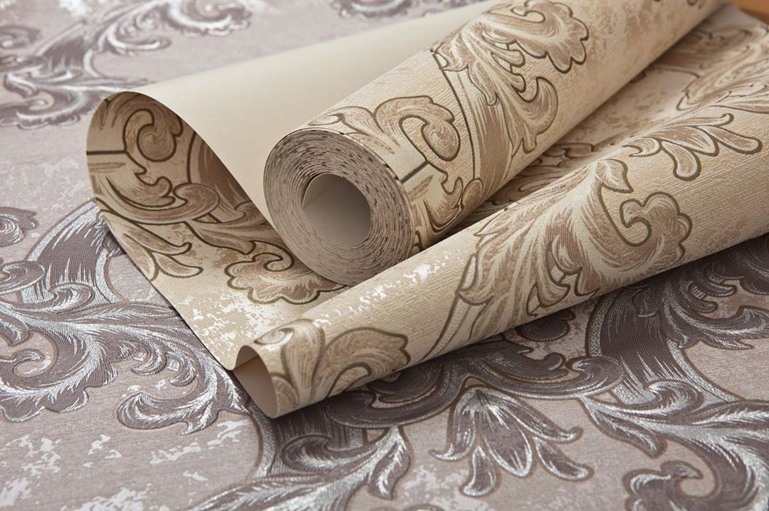 Как отличить обои: в чем внешне разница между флизелиновым, бумажным и виниловым покрытием и какое из них лучше под покраску?
