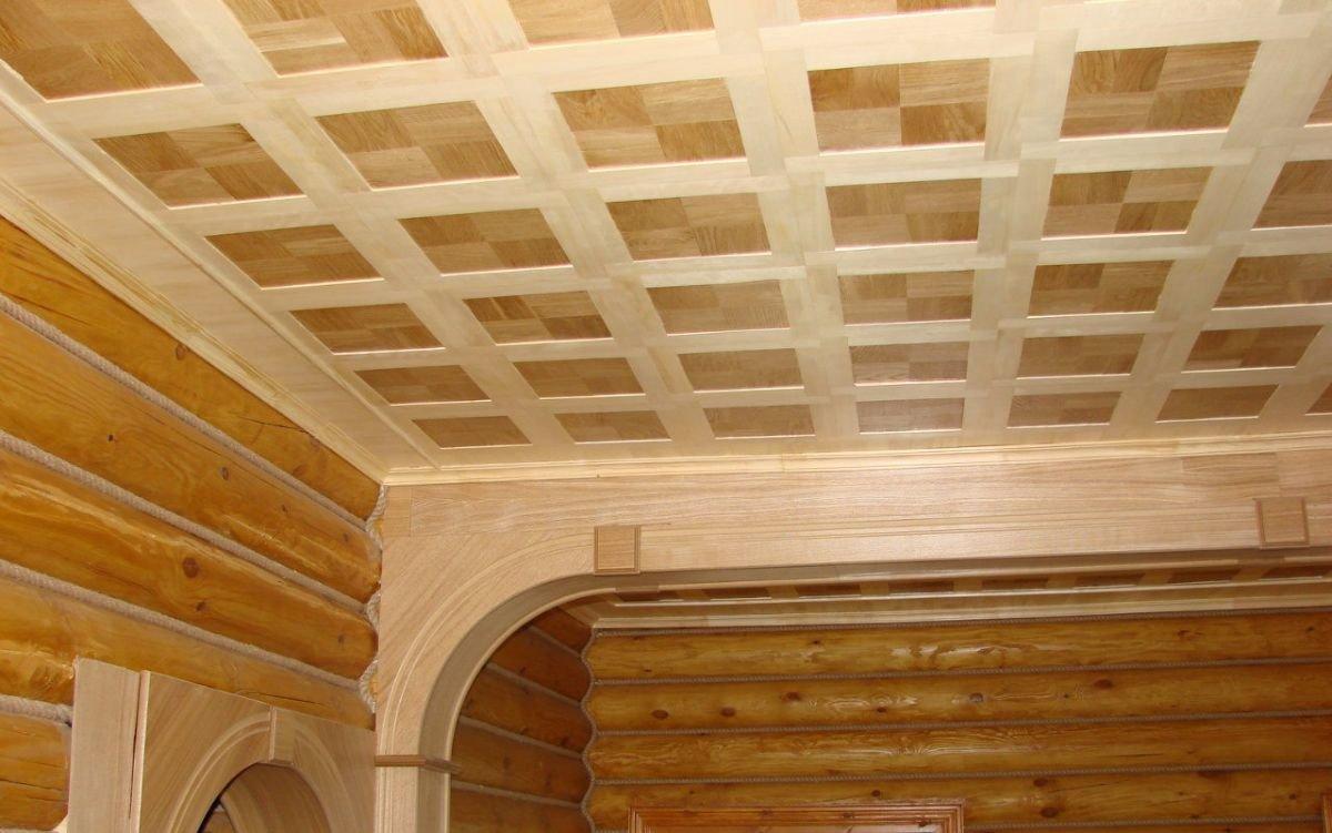 Потолок в деревянном доме (64 фото): варианты отделки, чем отделать и обшить своими руками