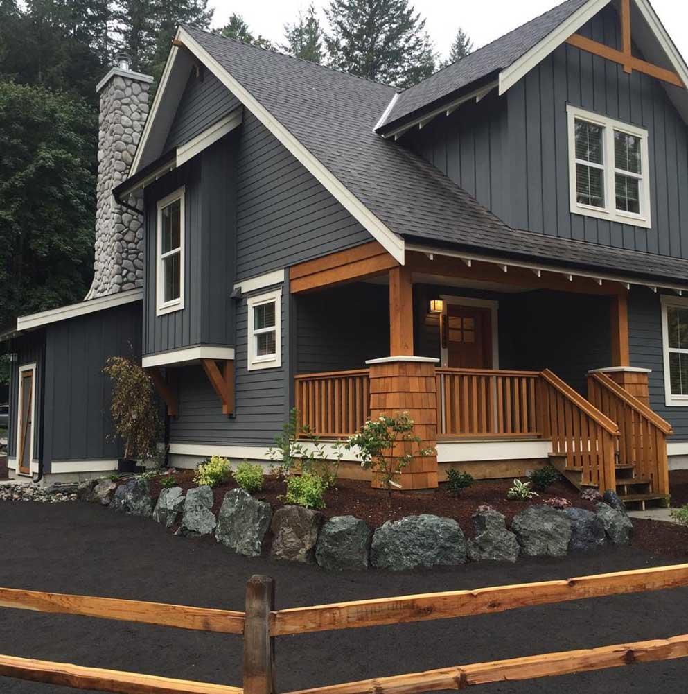 Чем покрасить деревянный дом снаружи: выбор покрытия и советы по его нанесению