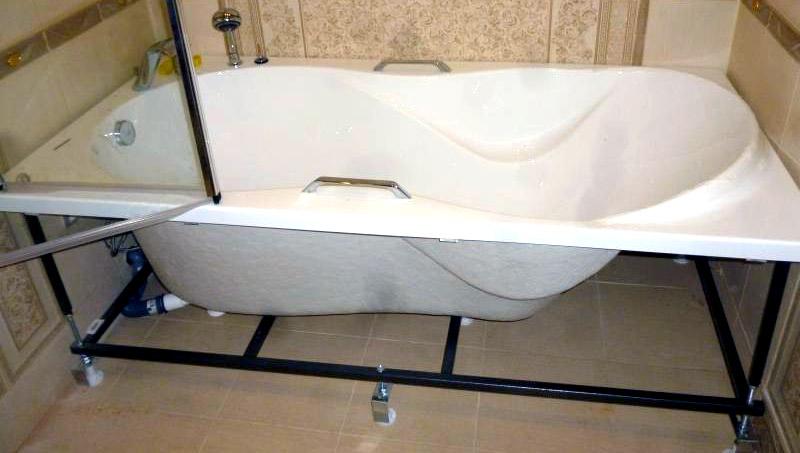 Установка акриловой ванны своими руками — 3 простых способа