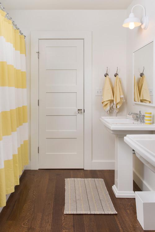 пластиковые двери для ванной и туалета