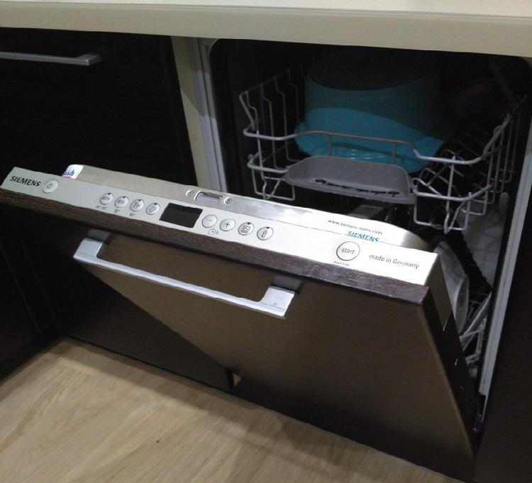 Роскачество выяснило, какая посудомоечная машина самая надёжная