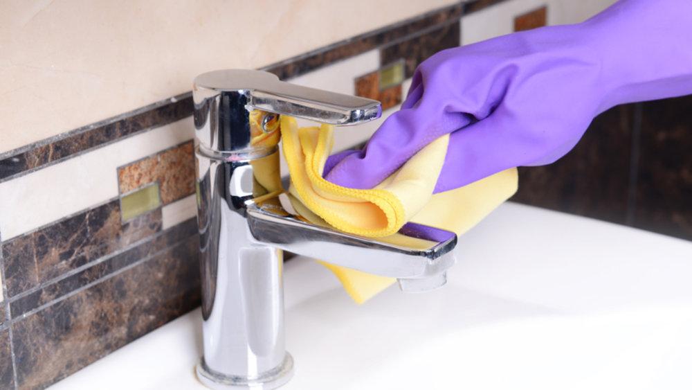 Как и чем лучше мыть акриловую ванну в домашних условиях?