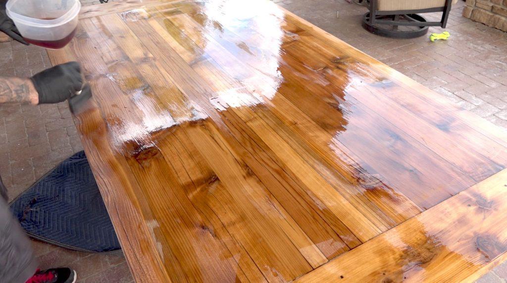 Лаки для древесины: их разновидности и применение