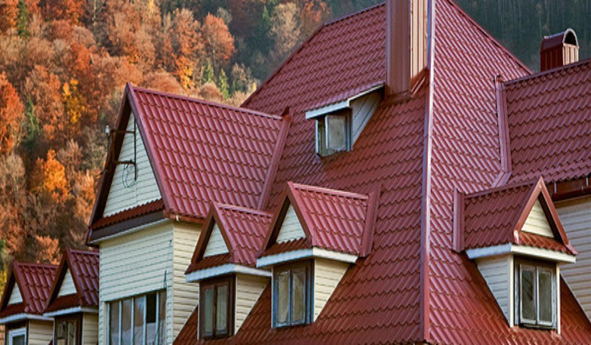 Что лучше - металлочерепица или профнастил для крыши?