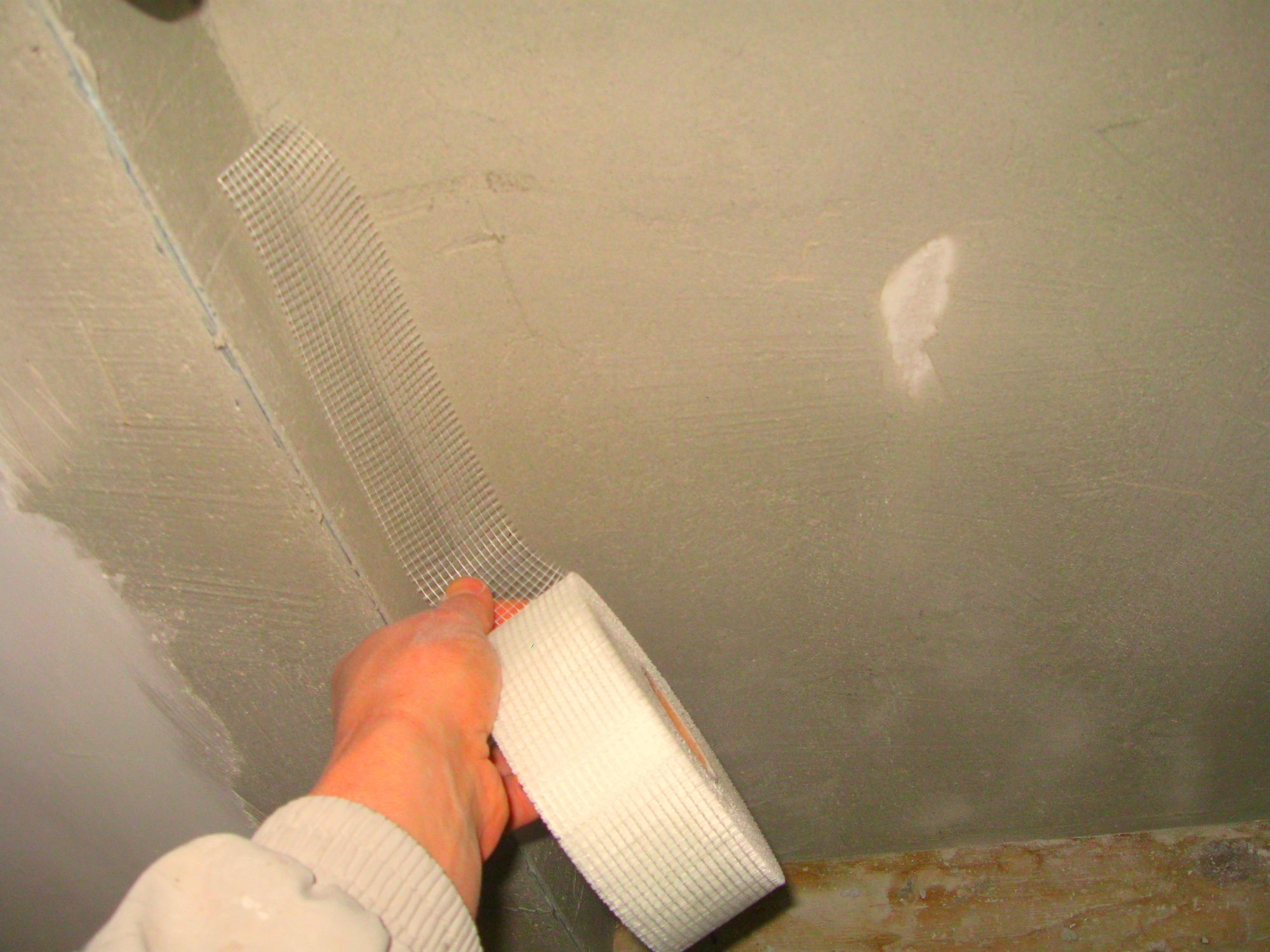 Технология подготовки поверхности потолка. все необходимые работы в помещении