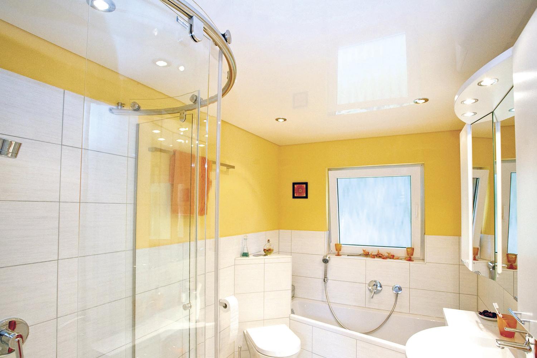 Какой потолок лучше сделать в ванной комнате