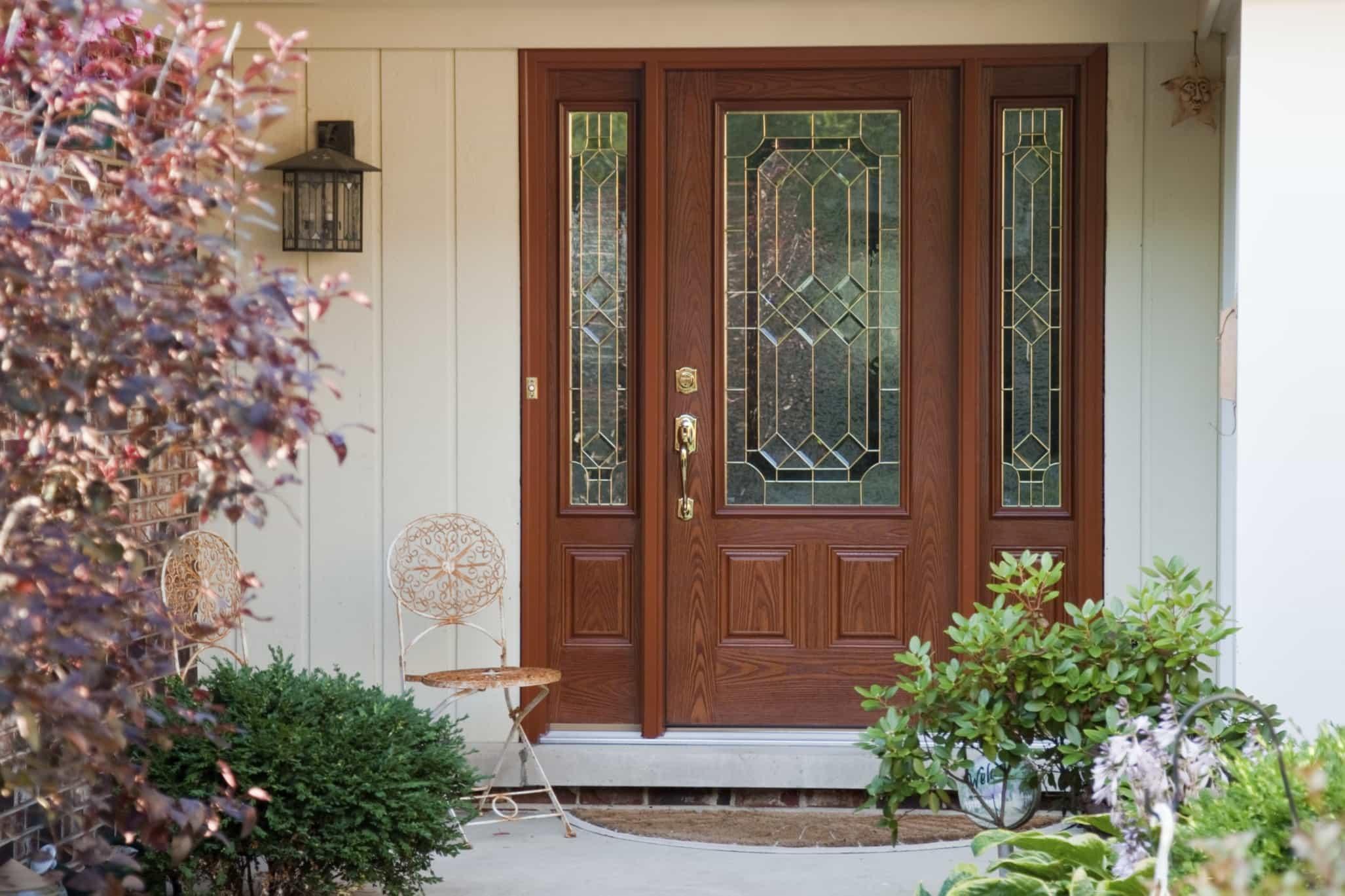Почему промерзает входная дверь, как с этим бороться  эффективно