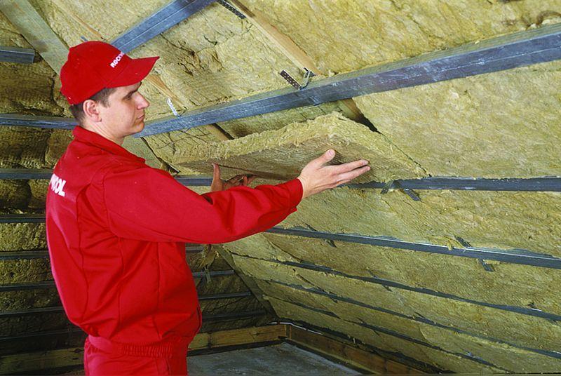 Если крыша уже покрыта: утепление мансарды изнутри по всем правилам