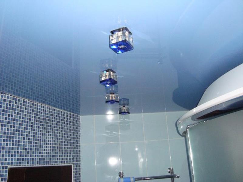 Какой потолок сделать в ванной: выбираем лучший вариант | ремонт и дизайн ванной комнаты