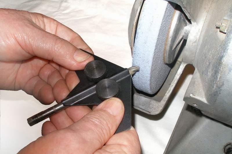 Как заточить сверло по металлу – видео правильной заточки