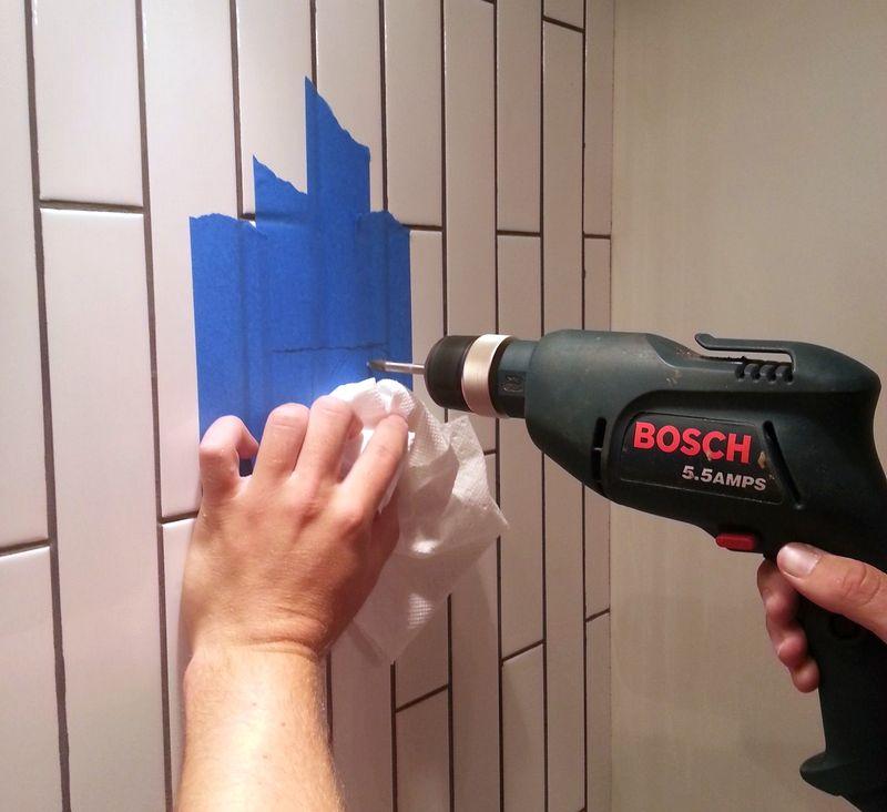 Как сверлить кафельную плитку на стене? как правильно просверлить керамическую клитку, сделать отверстие сверлением