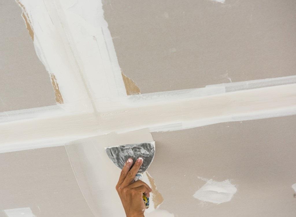 Шпаклевка потолка своими руками: основные этапы проведения работ, советы специалистов