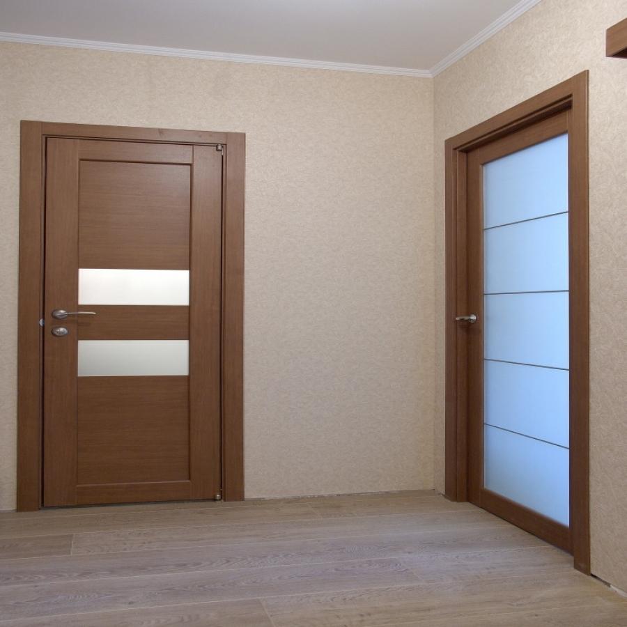 Белые двери в интерьере: 75 фото идей дизайна