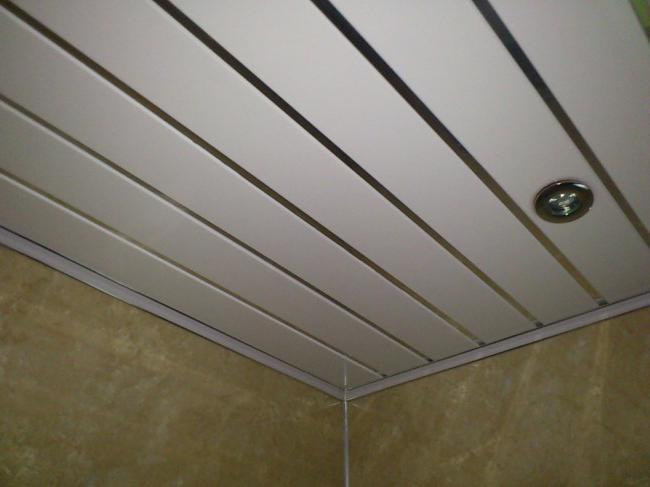 Как отделать ванную комнату пластиковыми панелями – подробная инструкция и видео