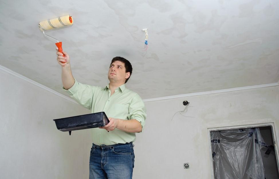 Как снять побелку с потолка быстро и без грязи: удаляем старое меловое или известковое покрытие, видео