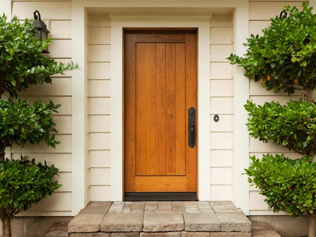 Что делать, если промерзает входная дверь: способы решения