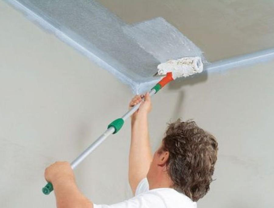 Как побелить потолок водоэмульсионной краской своими руками