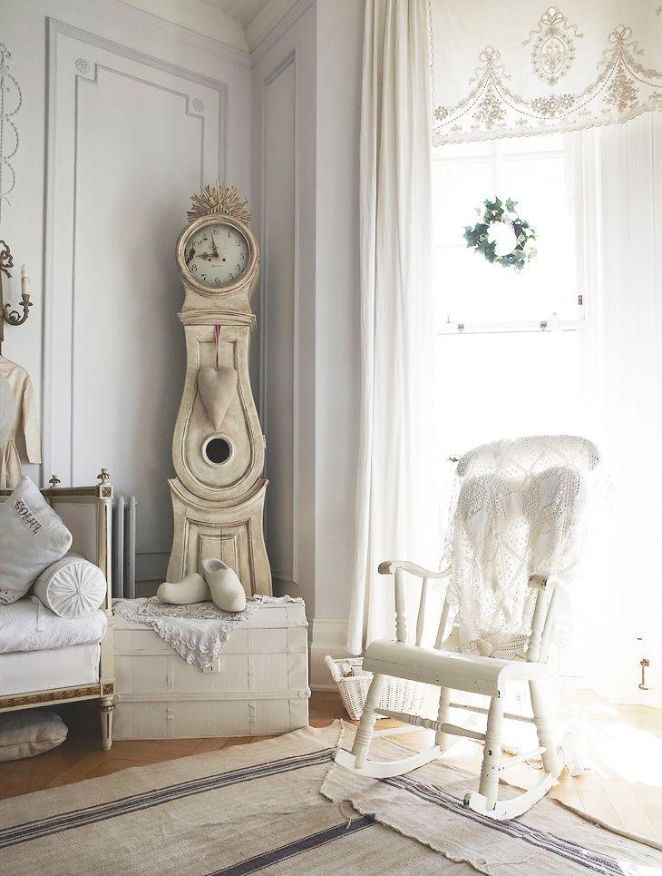 Стиль шебби шик в интерьере дома: фото, идеи, примеры оформления спальни, гостиной, кухни, ванны