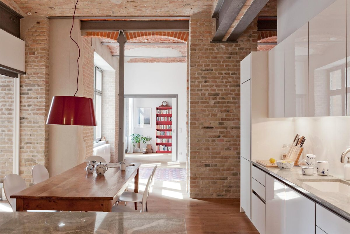 Кирпич в интерьере: натуральная эстетика для современного дома (фото)