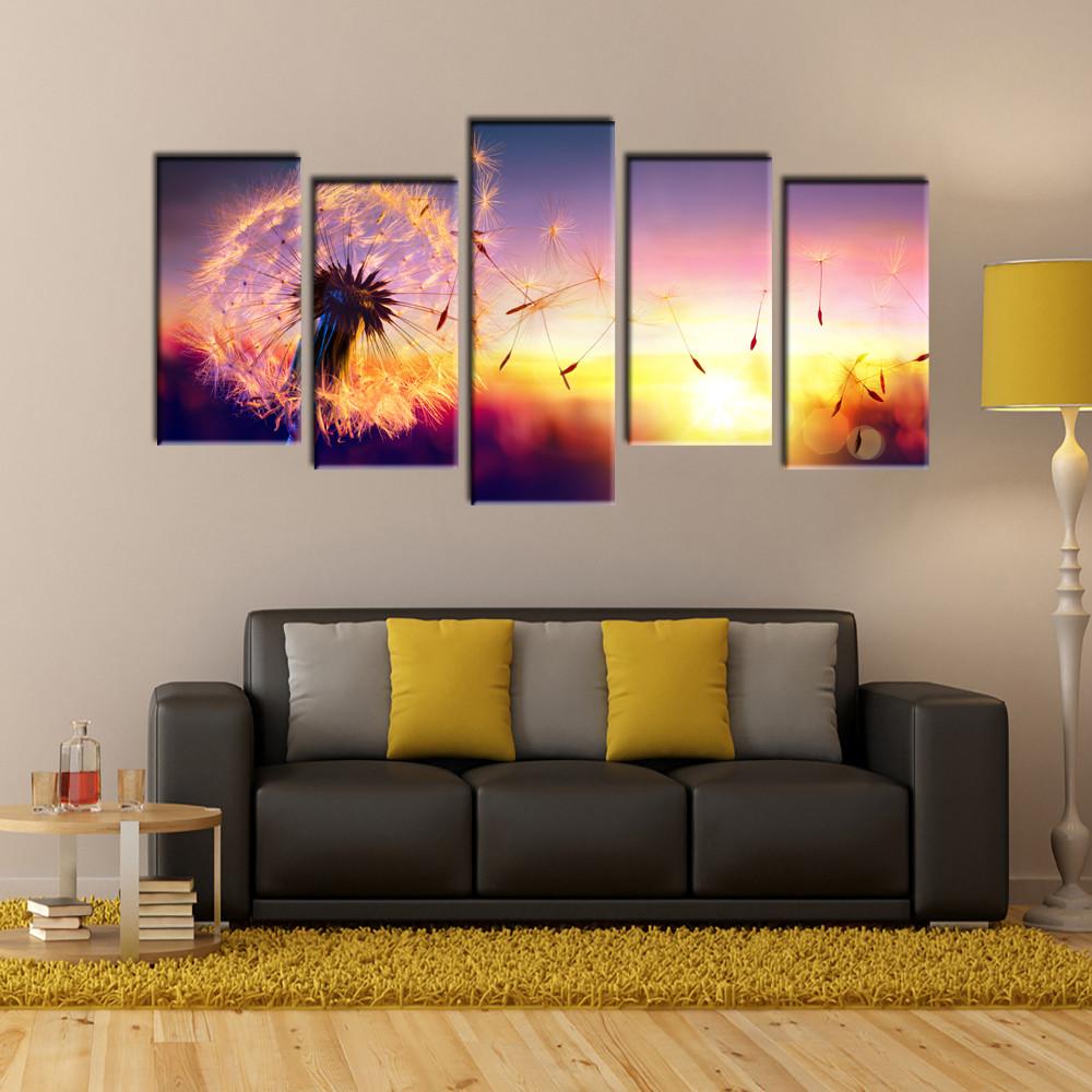 Картины на кухню: их фото в интерьере, какие картины можно вешать и почему