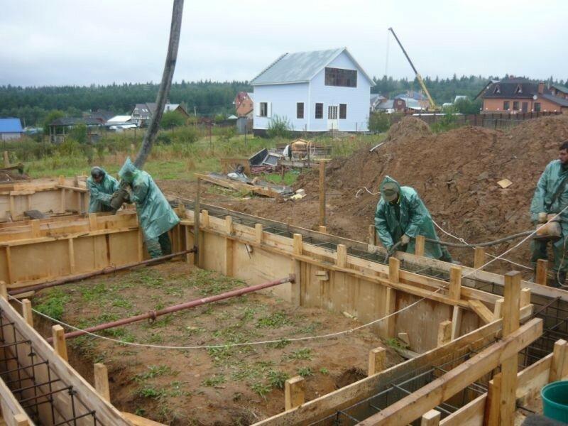 Этапы строительства частного дома: от возведения стен, до инженерных коммуникаций