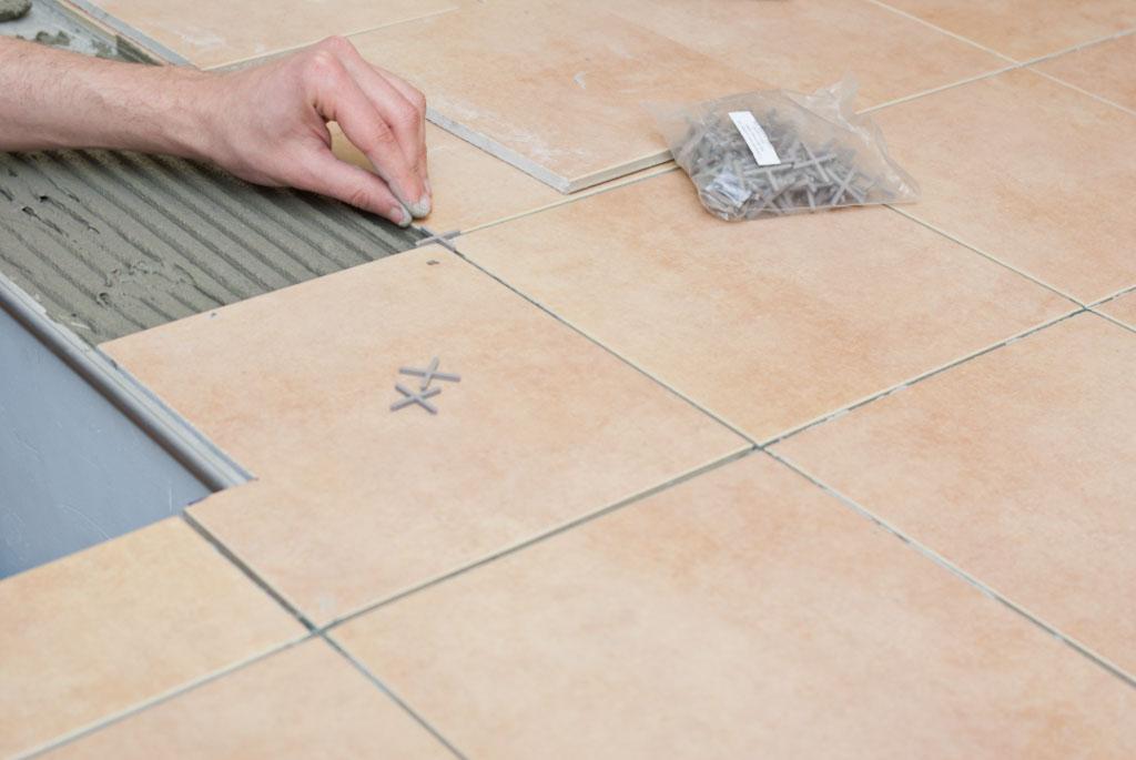 Чем отличается керамогранит от керамической плитки