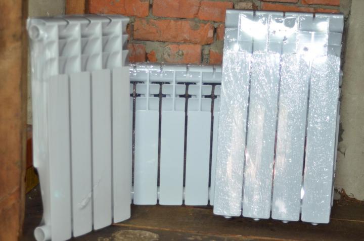 Что лучше чугун или биметаллические радиаторы