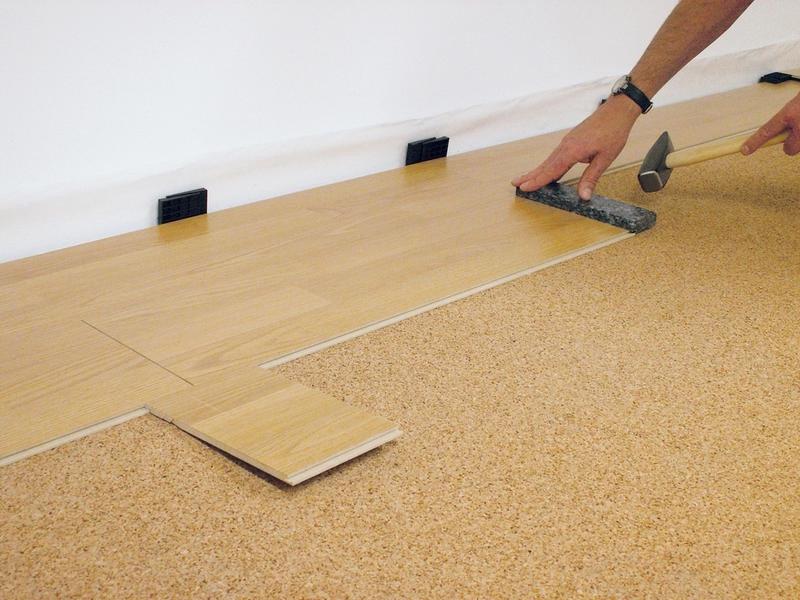 Подложка под ламинат на деревянный пол: какую выбрать