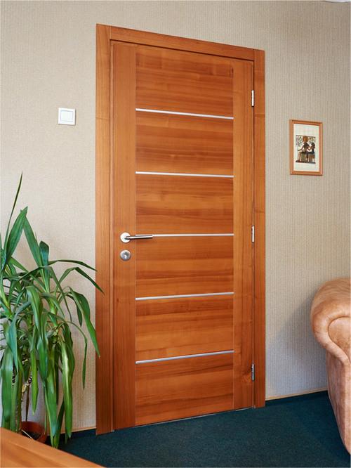 Какие межкомнатные двери лучше: шпонированные, ламинированные или пвх