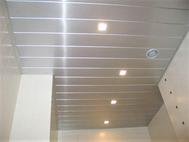 Какой материал для натяжного потолка лучше выбрать