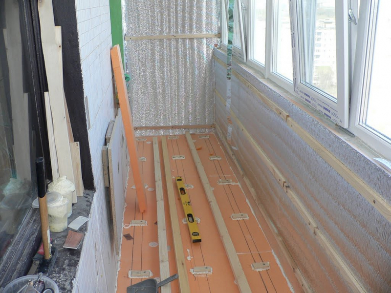 Видео подборка: Утепление балкона или лоджии своими руками