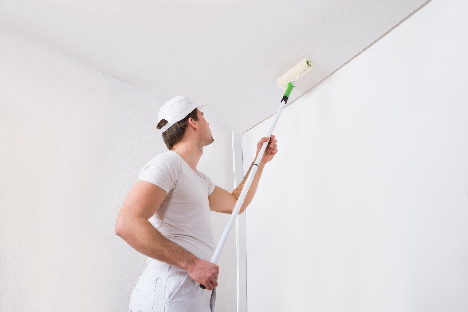 Побелка потолка своими руками: пошаговый способ с водоэмульсионной краской