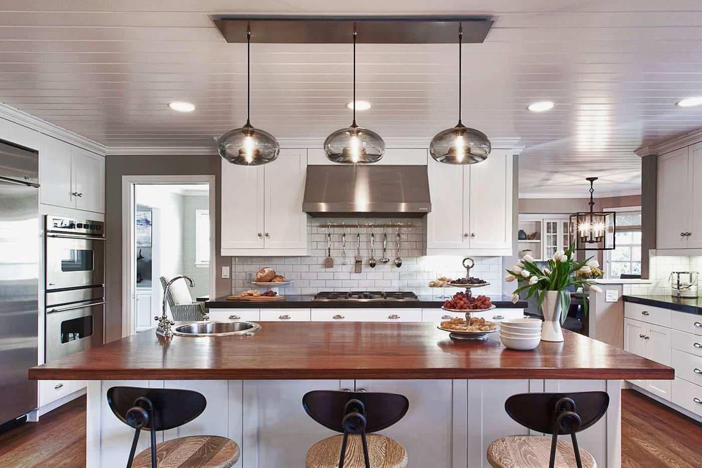 Как подобрать люстры на кухню в стиле прованс