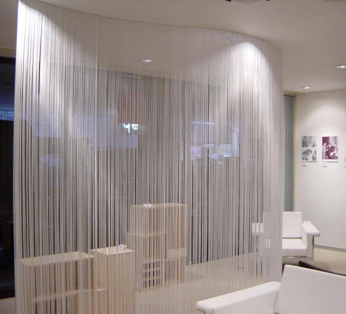 Нитяные шторы в интерьере - виды, идеи декорирования, примеры использования на кухне, гостиной и спальне