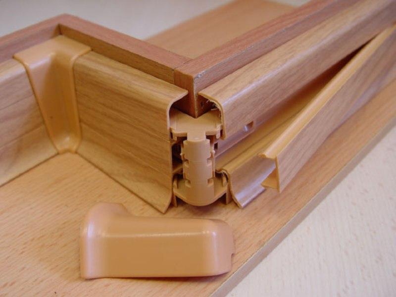 Монтаж деревянного плинтуса: делаем монтаж напольного плинтуса своими руками
