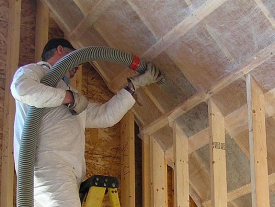 Утеплитель для стен каркасного дома – какой материал стоит выбирать сегодня