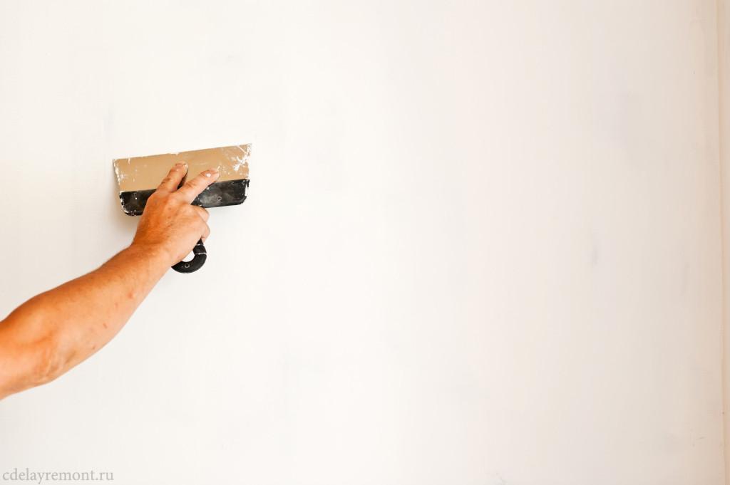 Что лучше и дешевле, штукатурить стены или обшить гипсокартоном