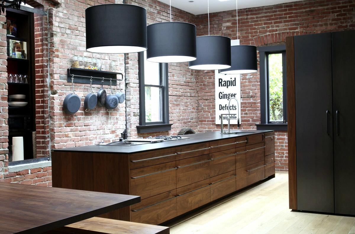 Интерьер квартир с кирпичной кладкой: дизайн с декоративным красным кирпичом фото