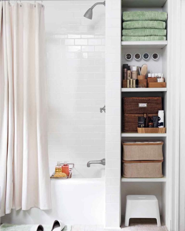 Интерьер в ванной комнате маленького размера фото